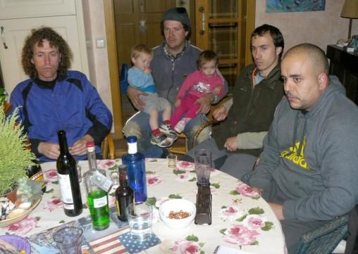 G. à d., Sergi Saus, Albert Saus et ses jumeaux Miquel et Martina, Jordi et Victor Canovas.